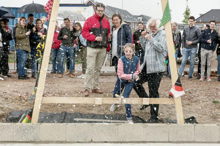 Start bouw Grote Boel voor de woningen van VanWonen. Samen met wethouder Weldhuis van Nijmegen. Foto : William Moore